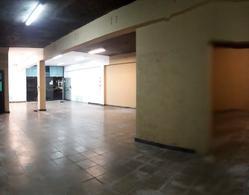 Foto Local en Alquiler en  San Miguel De Tucumán,  Capital  avenida mitre al 100