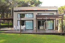 Foto Casa en Venta | Alquiler | Alquiler temporario en  Pinamar Norte,  Pinamar  Selene al 1000