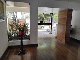 Foto Departamento en Alquiler en  Miraflores,  Lima  Calle Comandante Odonovan