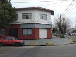 Foto Local en Alquiler en  Lanús Este,  Lanús  Lujan 2305 esquina Arias