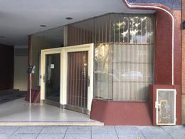 Foto Local en Alquiler en  Caballito ,  Capital Federal  Juan B. Alberdi al 1100