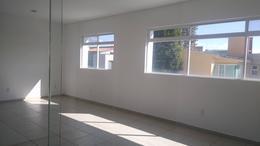 Foto Oficina en Venta en  Lázaro Cárdenas,  Metepec  Venta de Edificio Completo con 10 Oficinas y 2  Locales en Metepec, Zona Tecnológico