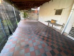 Foto Casa en Venta en  San Andres,  General San Martin  Caseros Nº 3100