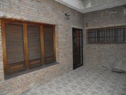 Foto Casa en Venta en  Sur,  Rosario  Av. del Rosario al 600