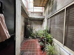 Foto Casa en Venta en  Quilmes ,  G.B.A. Zona Sur  Jujuy 44 esquina Gran Canaria