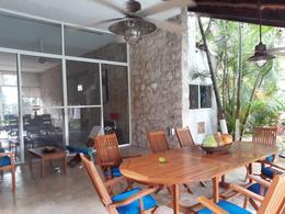 Foto Casa en condominio en Venta en  Club de Golf La Ceiba,  Mérida  Se Vende Casa en la Ceiba con gran jardín, piscina y vista al campo