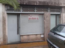 Foto Local en Alquiler en  Saladillo,  Rosario  Rui Barboza al 300
