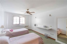 Foto Casa en Venta en  Adrogue,  Almirante Brown  Rippamonti 84