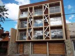 Foto Departamento en Alquiler en  Lomas De Zamora,  Lomas De Zamora  Rivera 680 2°A