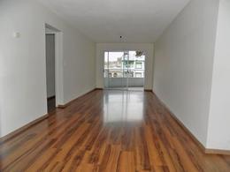 Foto Departamento en Alquiler en  Pocitos ,  Montevideo  Ponce  próximo a  Rivera