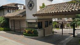 Foto Casa en condominio en Venta | Renta en  San Rafael,  Escazu  CONDOMINIO CON SOLO 18 INMUEBLES EN EL CONJUNTO.GUACHIPELIN ESCAZU
