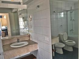 Foto Departamento en Venta en  Carrasco ,  Montevideo  Único Apto con renta inmediata