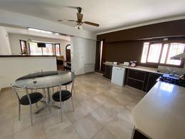 Foto Casa en Venta en  B.Los Pinares,  Mar Del Plata  Valencia  5932