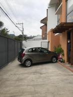 Foto Casa en Venta en  Este,  Cuenca  Av. 27 de Febrero