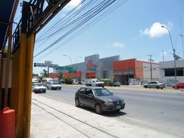 Foto Local en Venta en  Supermanzana 61,  Cancún  Se Vende Local Comercial En Cancún Sobre Av. López Portillo