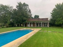 Foto Casa en Venta | Alquiler en  Abril Club De Campo,  Countries/B.Cerrado (Berazategui)  ABRIL CLUB DE CAMPO