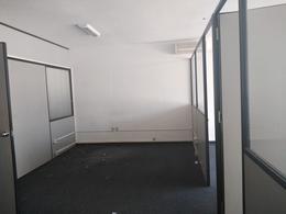 Foto Oficina en Alquiler en  Ciudad Vieja ,  Montevideo  Zabala al 1300