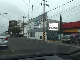 Foto Edificio Comercial en Renta en  Puebla de Zaragoza ,  Puebla  Renta de bodega en esquina sobre avenida, muy céntrica