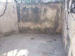 Foto Local en Venta en  Caseros,  Tres De Febrero  REPUBLICA al 2100