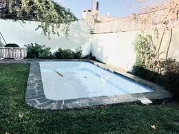 Foto Casa en Venta en  La Lucila,  Vicente López  Salta al 4000