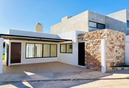 Foto Casa en Venta en  Pueblo Chichi Suárez,  Mérida  PRIVADA ACACIAS, MODELO D