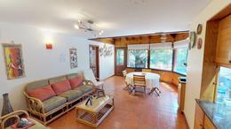 Foto Casa en Venta | Alquiler en  Acas.-Libert./Solis,  Acassuso  José C Paz al 1000
