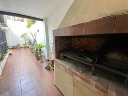 Foto Casa en Venta en  Martinez,  San Isidro  Excelente casa reciclada a nuevo en el corazón de Martínez | Vélez Sarsfield al 100