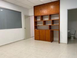 Foto Oficina en Venta   Renta en  Fraccionamiento Playacar Fase II,  Solidaridad  Oficina Bugamb Playacar en Renta