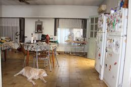 Foto Casa en Venta en  Martinez,  San Isidro  Edison al 2300