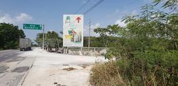 Foto Terreno en Venta en  Playa del Carmen,  Solidaridad  Oportunidad Lote Comercial en Playa del Carmen con frente de carretera  P2881