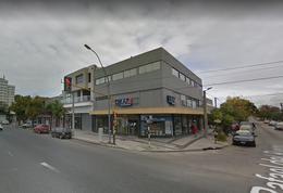 Foto Local en Venta en  Las Avenidas,  Mar Del Plata          Av. Juan B. Justo esquina Del Riego