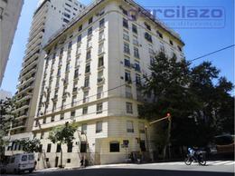 Foto Departamento en Venta en  Recoleta ,  Capital Federal  Av. Alvear al 1300
