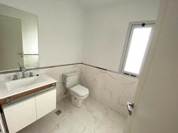 Foto Casa en Venta en  Miradores de Manantiales,  Cordoba Capital  AV. DONOSA 100
