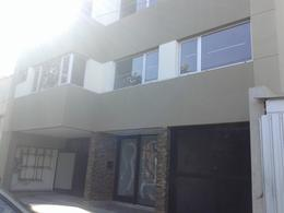Foto Departamento en Alquiler en  Lomas de Zamora Oeste,  Lomas De Zamora  Av. Alvear 39 2º A c/cochera