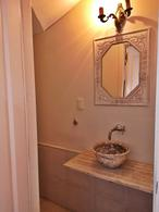 Foto Casa en Alquiler en  Carrasco ,  Montevideo  Hermosa casa en alquiler, 3 dorm y servicio