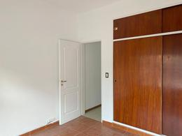 Foto Casa en Venta en  Castelar,  Moron  Cadiz al 3500