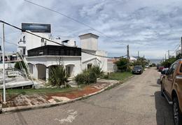 Foto Local en Alquiler en  Montoya,  La Barra  La Barra local Esquina Ruta 10