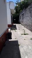 Foto Casa en Venta en  Lomas de Zamora Oeste,  Lomas De Zamora  ALFONSINA   STORNI al 2300