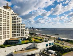 Foto Departamento en Venta en  Punta del Este ,  Maldonado  SEASON TOWER Parada 4 (Miami y Biarritz)