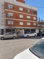Foto Departamento en Alquiler en  Capital ,  Neuquen  Rivadavia N° 800. Departamento en Alquiler