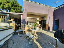 Foto Casa en Venta en  Moron Sur,  Moron  Cornelio Saavedra 1480. Moron