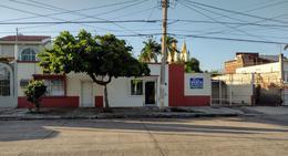 Foto Casa en Venta en  Guasave ,  Sinaloa  CASA EN VENTA , EXELENTE UBICACION MUY CERCA DE LEY MADERO , COL CENTRO , 373 M2