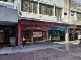 Foto Local en Alquiler en  Rosario,  Rosario  Peatonal San Martín al 900