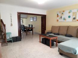 Foto Casa en Venta en  San Isidro,  San Isidro  Venta impecable duplex 3 dorms  con jardin y pileta