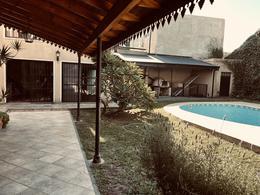 Foto Casa en Venta en  Quilmes,  Quilmes  Brandsen 620