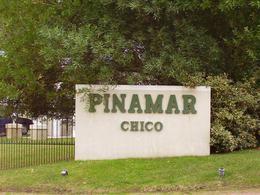 Foto Terreno en Venta en  Pinamar Chico,  Pinamar  Penelope Esq. Av. Olimpo