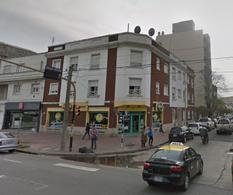 Foto Local en Alquiler en  Mar Del Plata ,  Costa Atlantica  Av. Independencia y Rawson