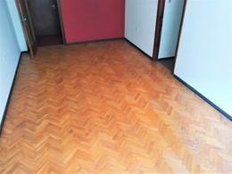 Foto Apartamento en Venta en  Pocitos ,  Montevideo  Ellauri 800