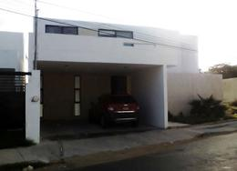 Foto Casa en Venta | Renta en  Pueblo Cholul,  Mérida  En venta casa de 4 habitaciones (1 en PB) y piscina en Cholul, cerca de las Universidades Latino y Modelo.