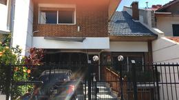 Foto Casa en Venta en  Olivos,  Vicente Lopez  Salta al 2200